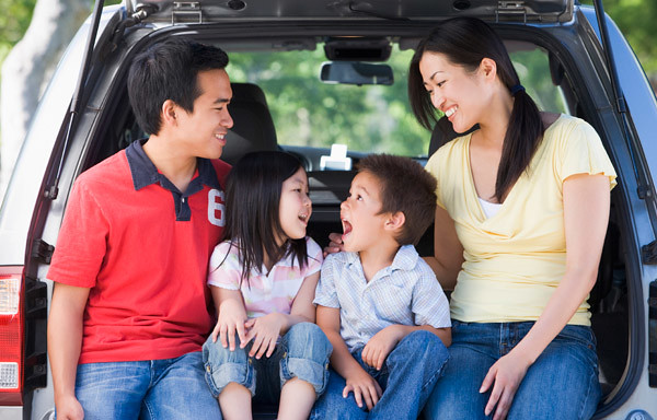 Family-Friendly Games to Play in the Car